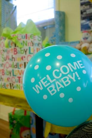 gift-table-balloon